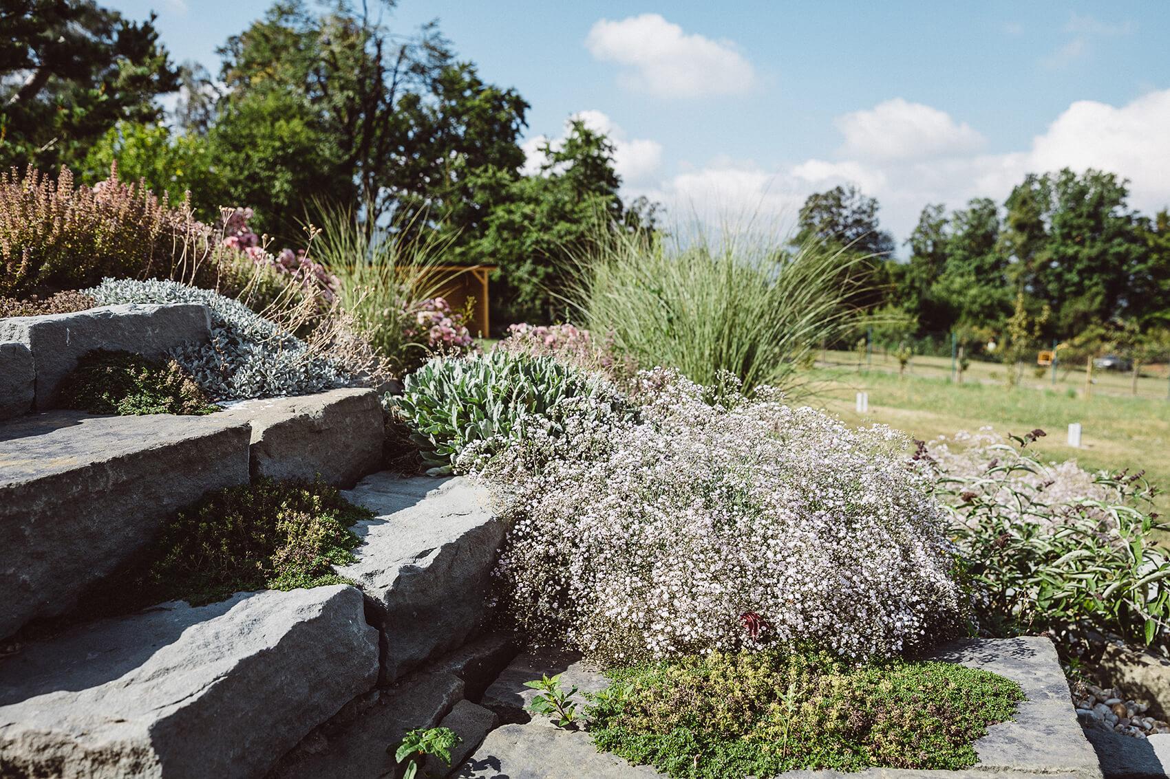 AK Zahrady - Kaskády